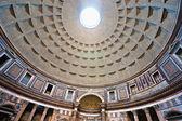 Binnen het pantheon, rome, italië. — Stockfoto