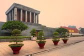 Ho Chi Minh Mausoleum in Hanoi, Vietnam. — Stock Photo