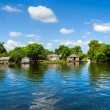 Floating House and  Houseboat on the Tonle Sap lake, Cambodia. — Stock Photo