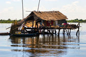 Typical House on the Tonle sap lake, between Siem Reap and Batta — Stock Photo