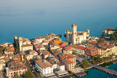 Scaliger Castle in Sirmione by lake Garda, Italy — Stock Photo