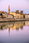 Florens, vy från floden arno river — Stockfoto