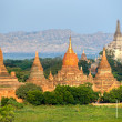 Buddhist Pagodas and Gawdawpalin Pahto, Bagan, Myanmar. - Stockfoto