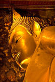 Bouddha à l'intérieur du temple de wat po, bangkok, thaïlande. — Photo