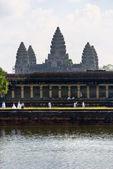 Weddings at Angkor Wat, Siem reap, Cambodia. — Stock Photo