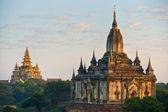 The Shwegugy Paya after sunrise, Bagan, Myanmar. — Stockfoto