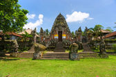 Indu tempel in ubud, bali, indonesië. — Stockfoto
