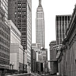 NEW YORK CITY - MARCH 25: The Empire State Building in Manhattan — Zdjęcie stockowe