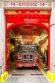 NEW YORK -MARCH 29: New York Fire Department Engine 14. The FDNY — Stock Photo