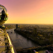 LONDON - MARCH 19 : The London Eye, erected in 1999, is a giant (135mt.) ferris wheel situated on the banks of the river thames. Is the most popular attraction of the UK. March 19, 2011 in London, UK — Stock Photo