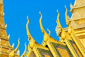 The royal palace in Cambodias capital Phnom Penh — Stock Photo