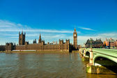 The Big Ben, the House of Parliament and the Westminster Bridge, London, UK — Stock Photo