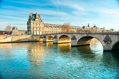 Louvre Museum and Pont du Carousel, Paris - France — Stock Photo