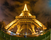 PARIS - DECEMBER 05: Lighting the Eiffel Tower on December 05, 2 — Stock Photo
