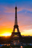 Eiffel tower at sunrise, Paris. — Stock Photo