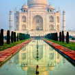 Panoramic view of Taj Mahal at sunrise, Agra, Uttar Pradesh, India. — Stock Photo #24087199
