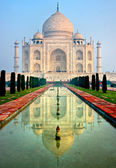 Panoramic view of Taj Mahal at sunrise, Agra, Uttar Pradesh, India. — Stock Photo