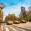 Yellow taxis on 5th Avenue — Stock Photo