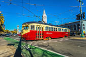 F Market e Wharves rail line on Dec 16, 2013 in San Francisco. — Stock Photo