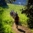 Girls Hiking on Trail - Foto Stock