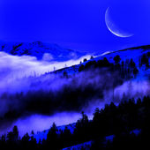 Fog in a Valley with Mountains and Moon — Stock Photo