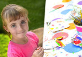 Young Girl Artist Painting — Stock Photo