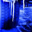 Tire Driving in Snow and Ice — 图库照片