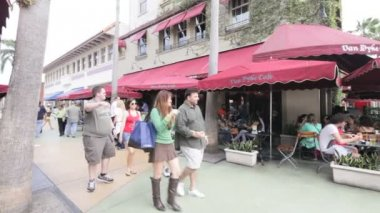Stock footage of the Van Dyke Cafe on Lincoln Road — Stock Video