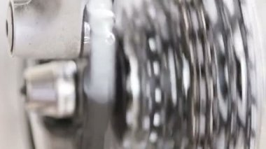 Da vicino gli ingranaggi della bicicletta — Video Stock