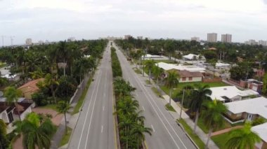 Aerial footage of Hollywood Beach Boulevard — Stock Video