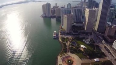Downtown Miami and Bicentennial Park — Stock Video