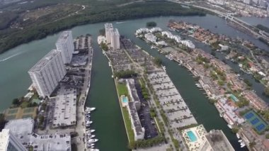 Highrise construction in Sunny Isles Beach Florida — Stock Video