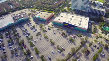 Aerial footage of Best Buy — Stock Video