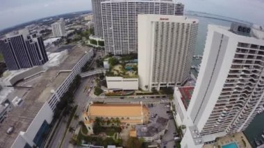 Aerial footage of Downtown Miami — Vídeo de stock