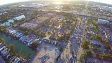 Miasto podczas zachodu słońca — Wideo stockowe
