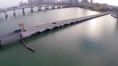 Venetian Causeway Miami — Стоковое видео