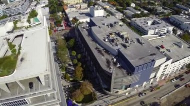Lincoln road parking garage luchtfoto video — Stockvideo