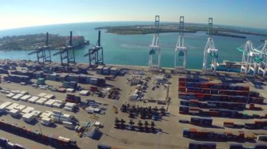 Aerial leverage of the Port of Miami Florida — Stock Video