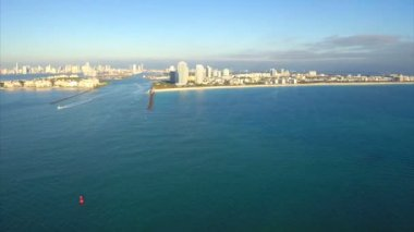 Time lapse approach to Miami Beach — Stock Video