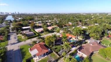 Aerial video of residential real estate — Stock Video