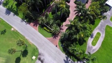 Flying over luxury estates aerial video — Stock Video