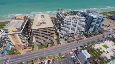 Aerial video of Miami Beach beachfront condos — Stock Video
