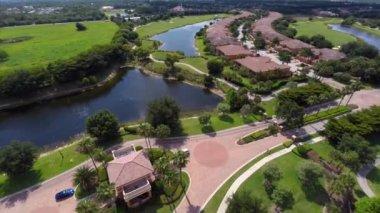Aerial golf club community — Stock Video