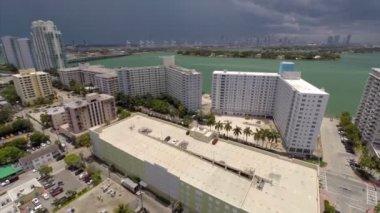 Aerial video of buildings in Miami Beach — Stock Video