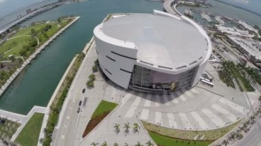 Aerial video American Airlines Arena and Museum Park — Stock Video