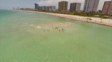 Aerial video of people on Miami Beach — Stock Video