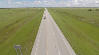 Aerial video of a road in a rural area — Stock Video
