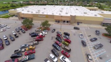 Aerial video of Clewiston Walmart — Stockvideo