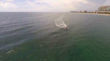 Aerial waverunner video — Stock Video