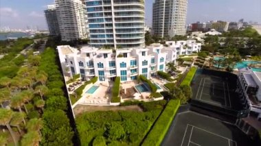 Miami Beach and a swimming pool — Stock Video